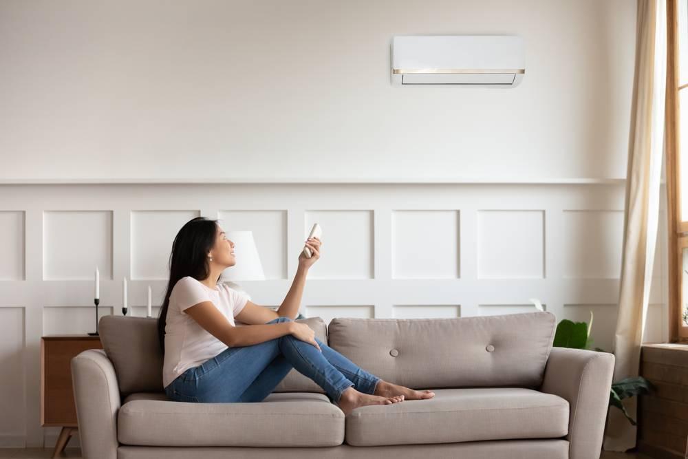 Jaki jest przybliżony koszt zamontowania klimatyzacji w mieszkaniu?